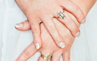 Bijoux en acier : pourquoi miser sur les accessoires fantaisies ?
