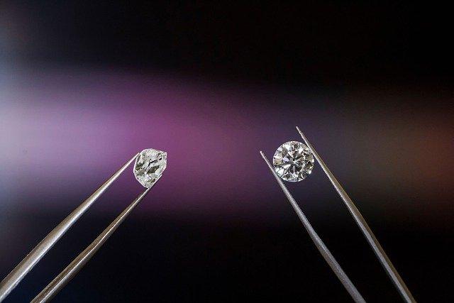 04 astuces pour reconnaître un vrai diamant
